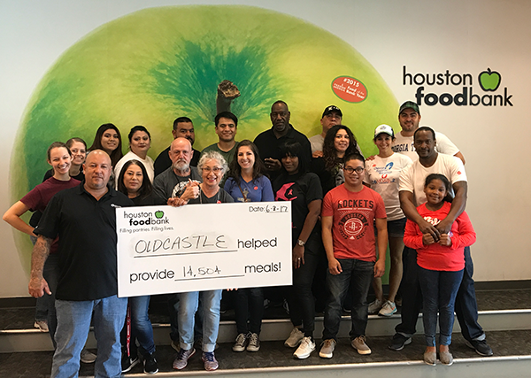 Oldcastle Enclosure Solutions Employees Volunteer at the Houston Food Bank